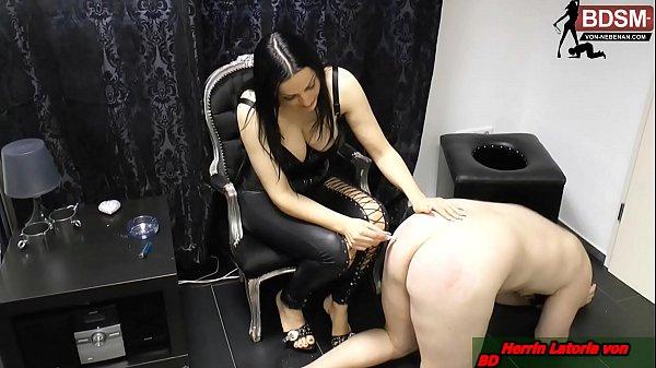 Domina Fickt Ihren Sklaven